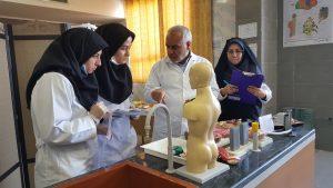 برگزاری سومین دوره مسابقات آزمایشگاهی دبیران علوم تجربی استان قم 3